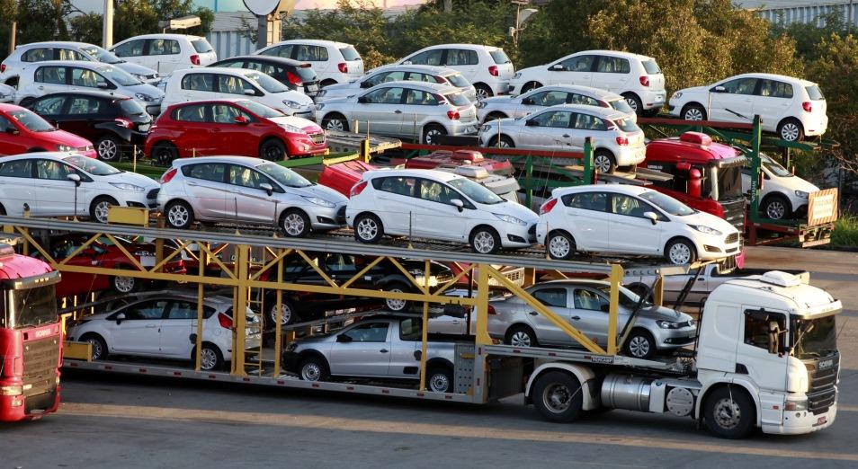 Душанбе продолжает закупать казахстанские авто