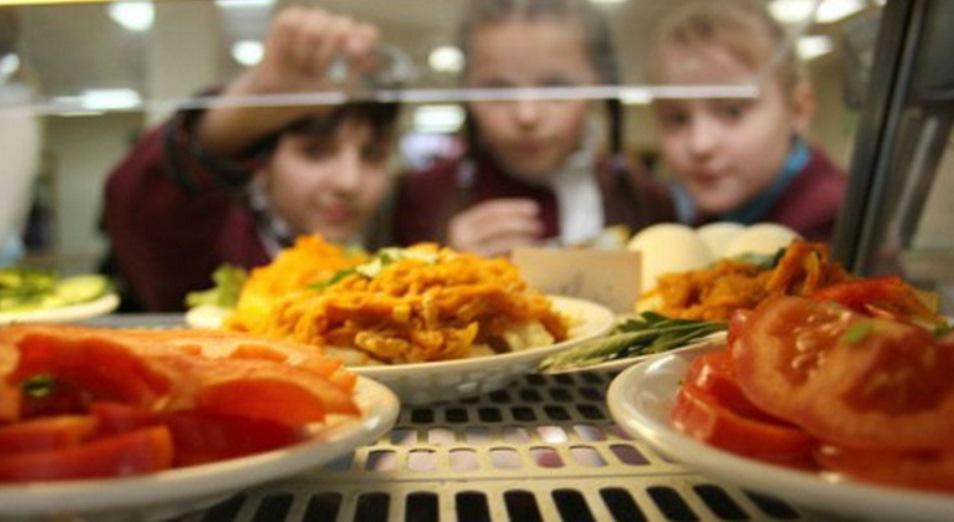 Комбинаты могут решить проблемы питания в школах