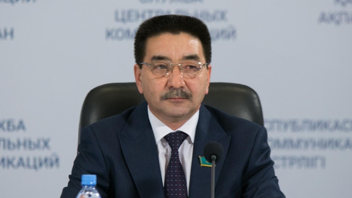 Коммунист Жамбыл Ахметбеков сдал экзамен на знание госязыка