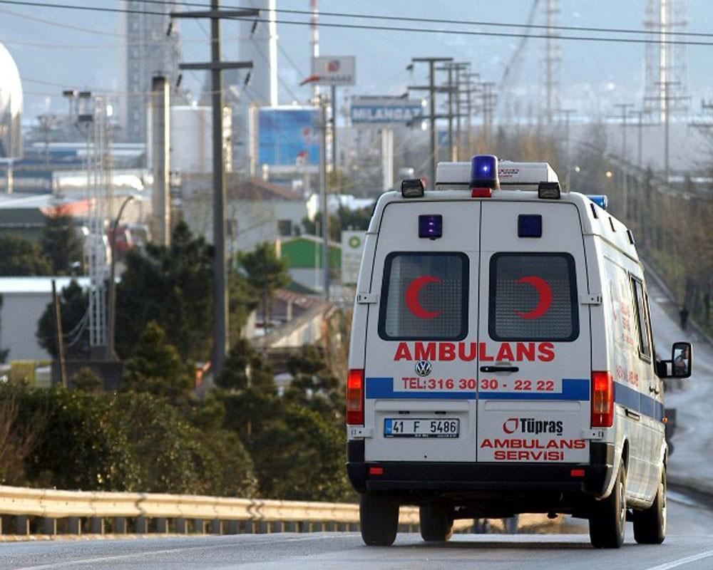Скоростной поезд врезался в путепровод в Анкаре, есть раненые