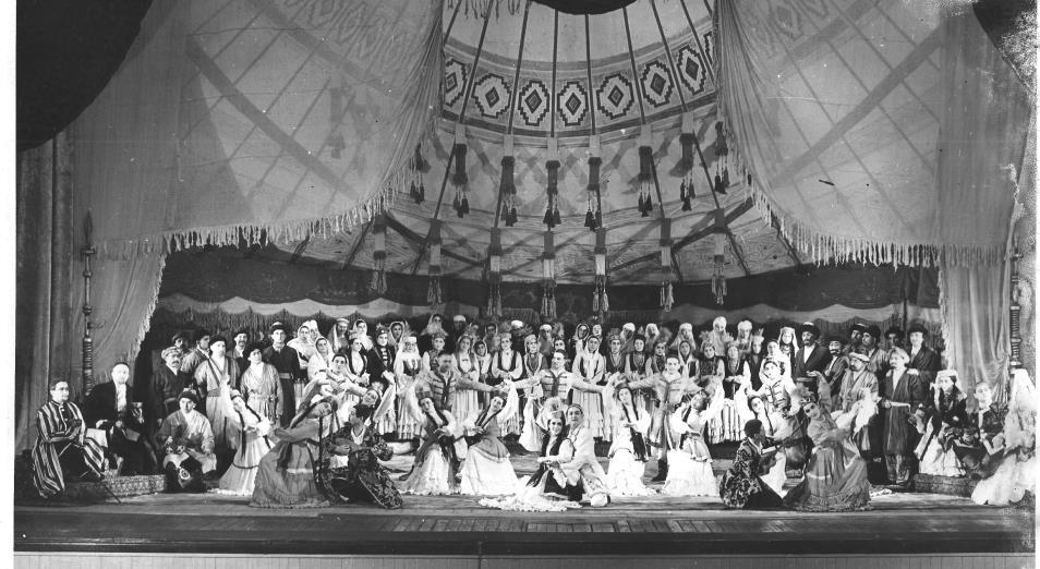 Театр оперы и балета им. Абая представил оригинальную версию оперы «Абай» 1944 года