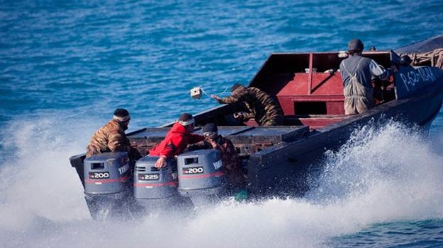 Погранслужба КНБ задержала в акватории Каспийского моря браконьеров, предположительно граждан Азербайджана