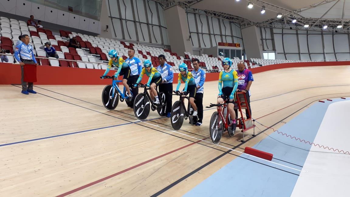 Женская команда Казахстана завоевала «золото» на чемпионате Азии по велотреку