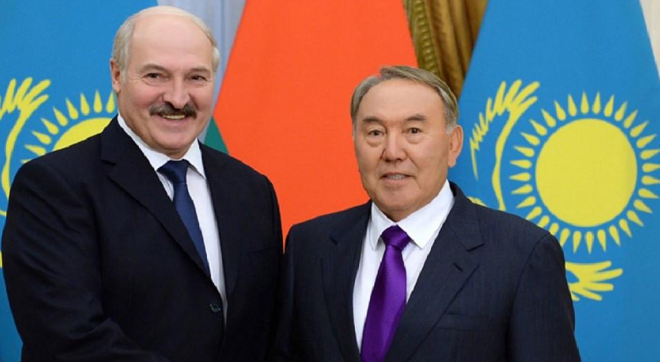 Назарбаев и Лукашенко обменялись мнениями по развитию ЕАЭС