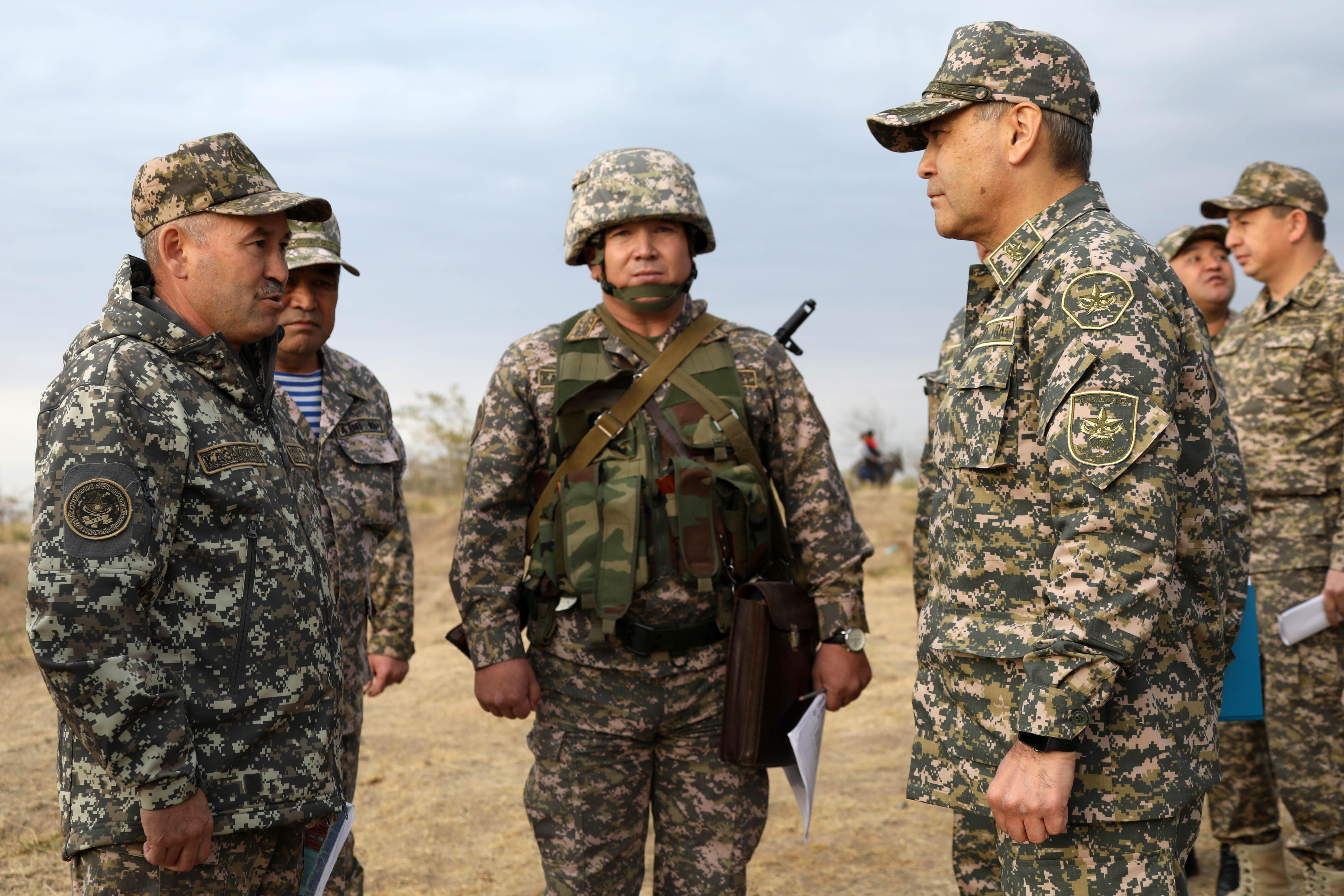 Министр обороны посетил соединения и воинские части Шымкентского и Арысского гарнизонов