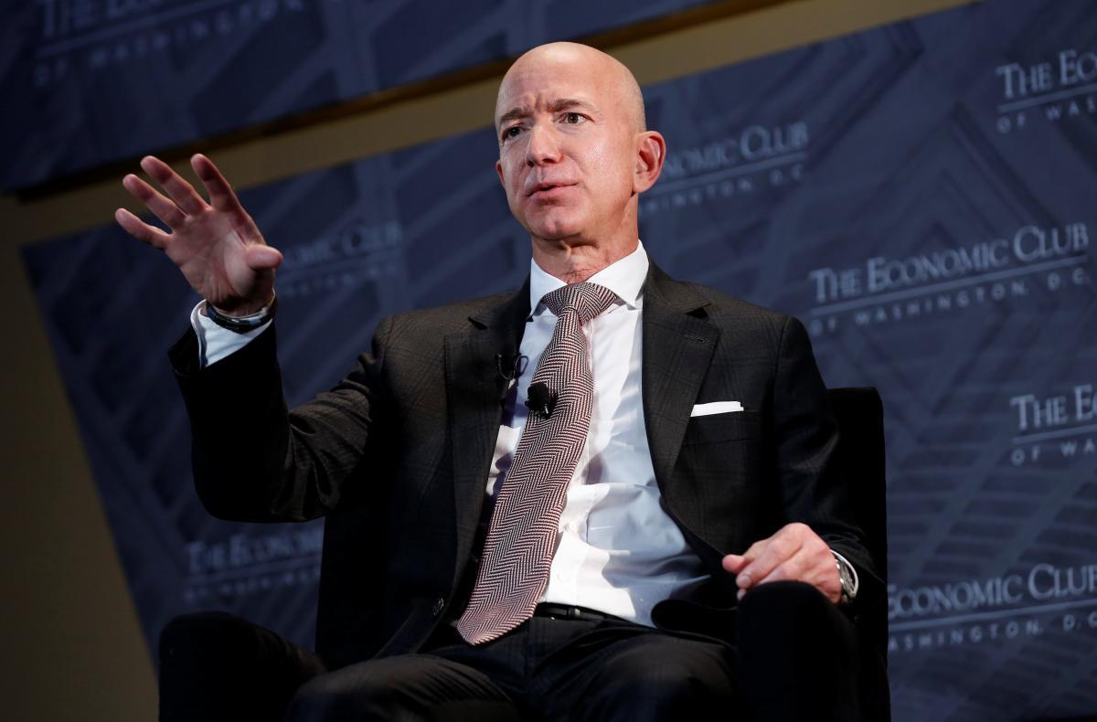 Основатель Amazon пожертвовал 100 млн долларов на проблемы бездомных
