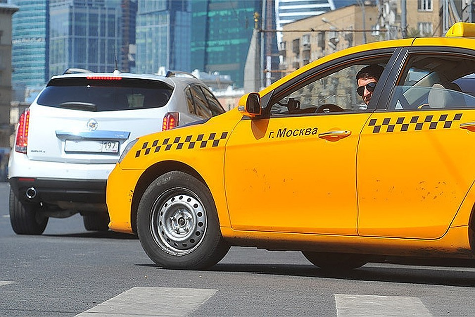 В РФ разработан закон о такси, запрещающий иностранцам работать водителями