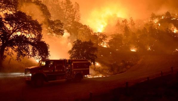 В Калифорнии в результате пожаров погибло 76 человек, число пропавших достигло 1276 человек