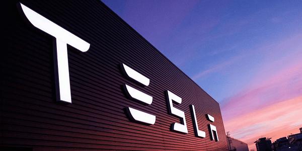 Акции Tesla рухнули после очередного заявления Илона Маска