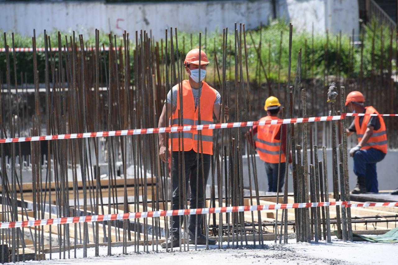Бакытжан Сагинтаев в Алматы проверил ход жилищного строительства  в Наурызбайском районе
