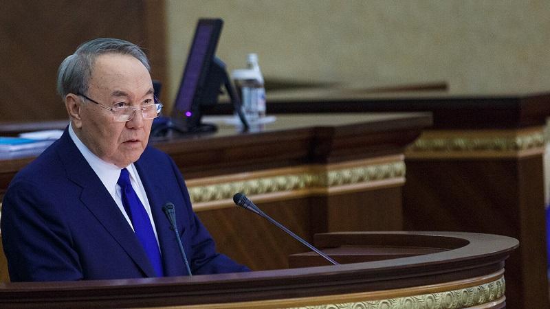 Приватизация должна проводиться на площадке биржи МФЦА, считает Назарбаев