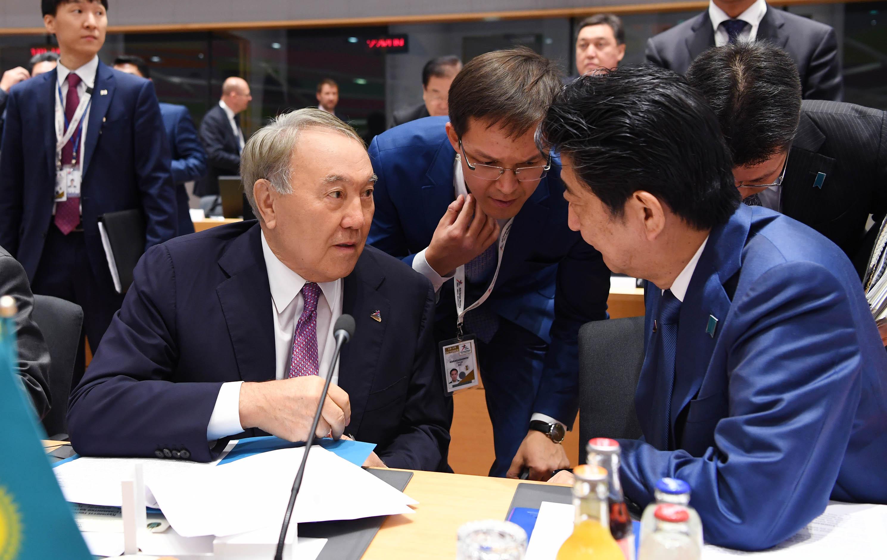 Нурсултан Назарбаев встретился с президентом Республики Корея и премьер-министром Японии