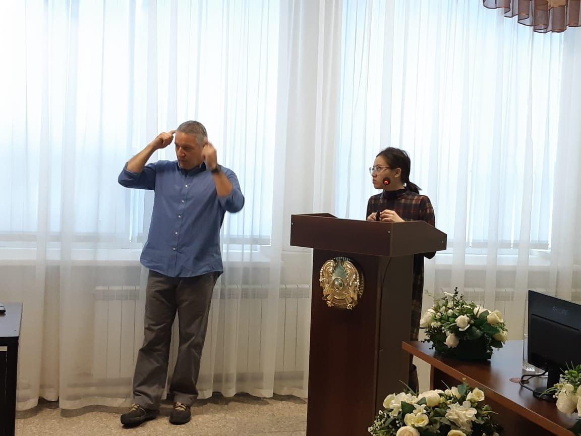 Израильдің танымал неонатологы Қазақстанда шеберлік сабағын өткізіп жатыр
