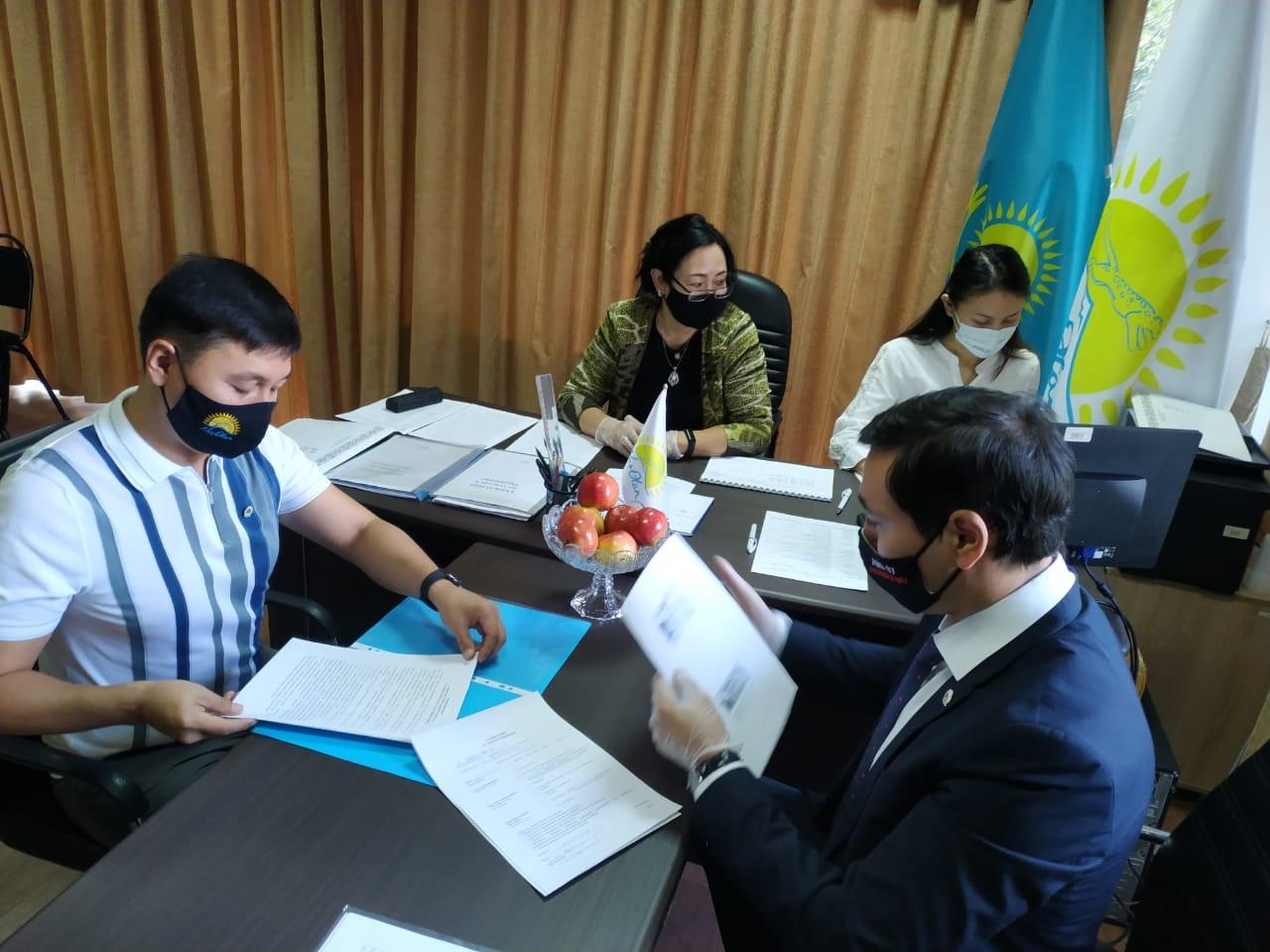 299 человек зарегистрировались на праймериз в Алматы