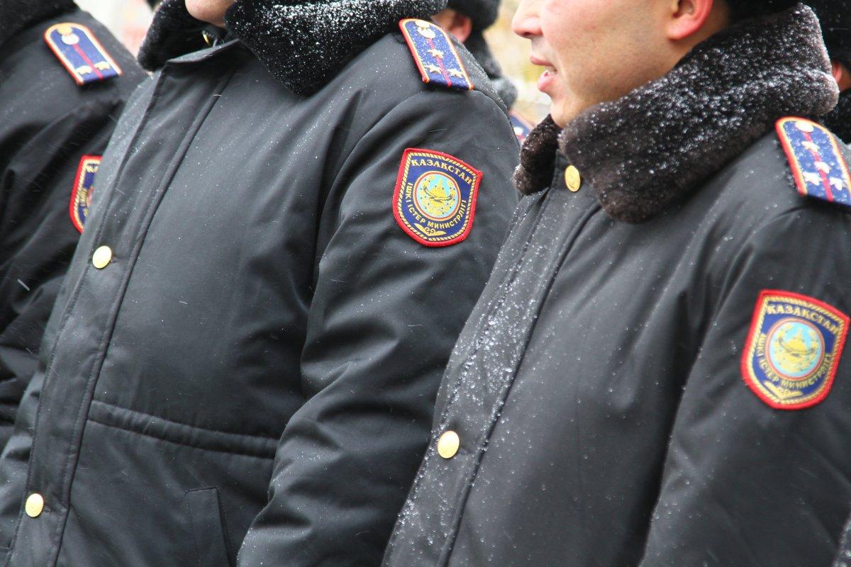 Полиция Алматы расследует разбойное нападение на букмекерскую контору