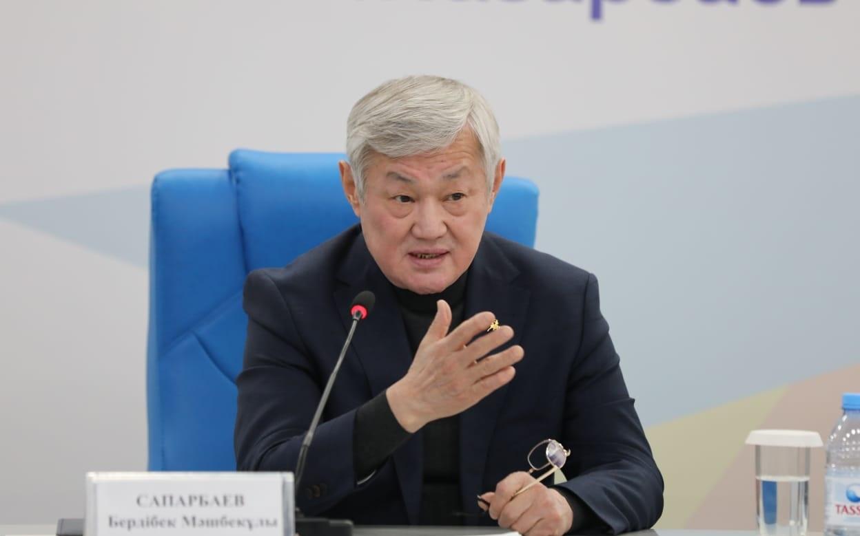 """Сапарбаев о сыне: """"Будет хорошо работать – будет карьерный рост"""""""