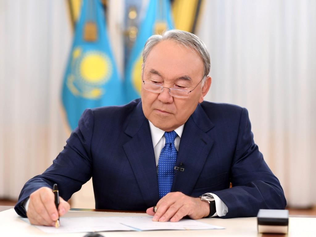 Нурсултан Назарбаев подписал поправки, не допускающие демпинг в госзакупках