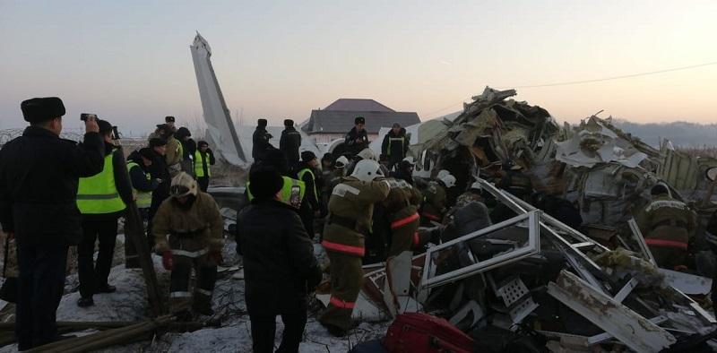 Пострадавшим при крушении самолета близ Алматы будет оказана помощь – президент РК