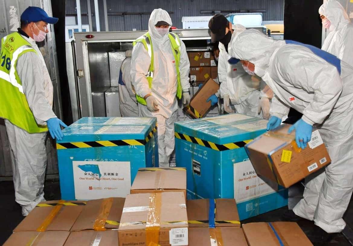 Вторая партия гуманитарной помощи от основателя китайской компании Alibaba Group прибыла в Алматы
