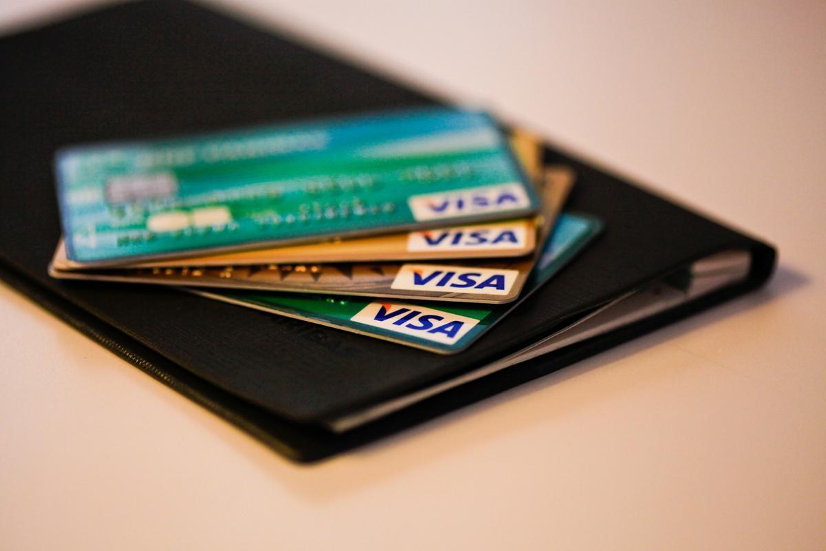 Сбербанк страхует банковские карты от кибератак