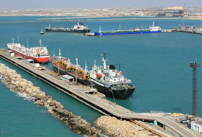 Запущен в работу паром для перевозки автотранспорта в порту Курык
