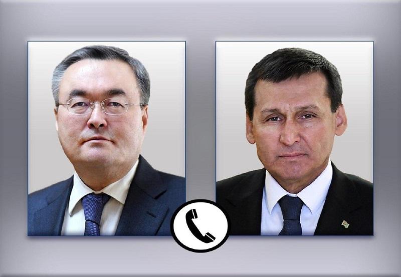 Главы МИД Казахстана и Туркменистана обменялись информацией по борьбе с COVID-19