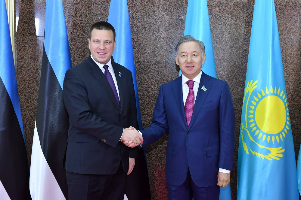 Председатель мажилиса РК встретился с премьер-министром Эстонии