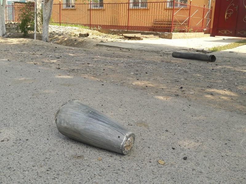 Сорокаградусная жара пришла в Туркестанскую область, где тушат пожар на складах с боеприпасами