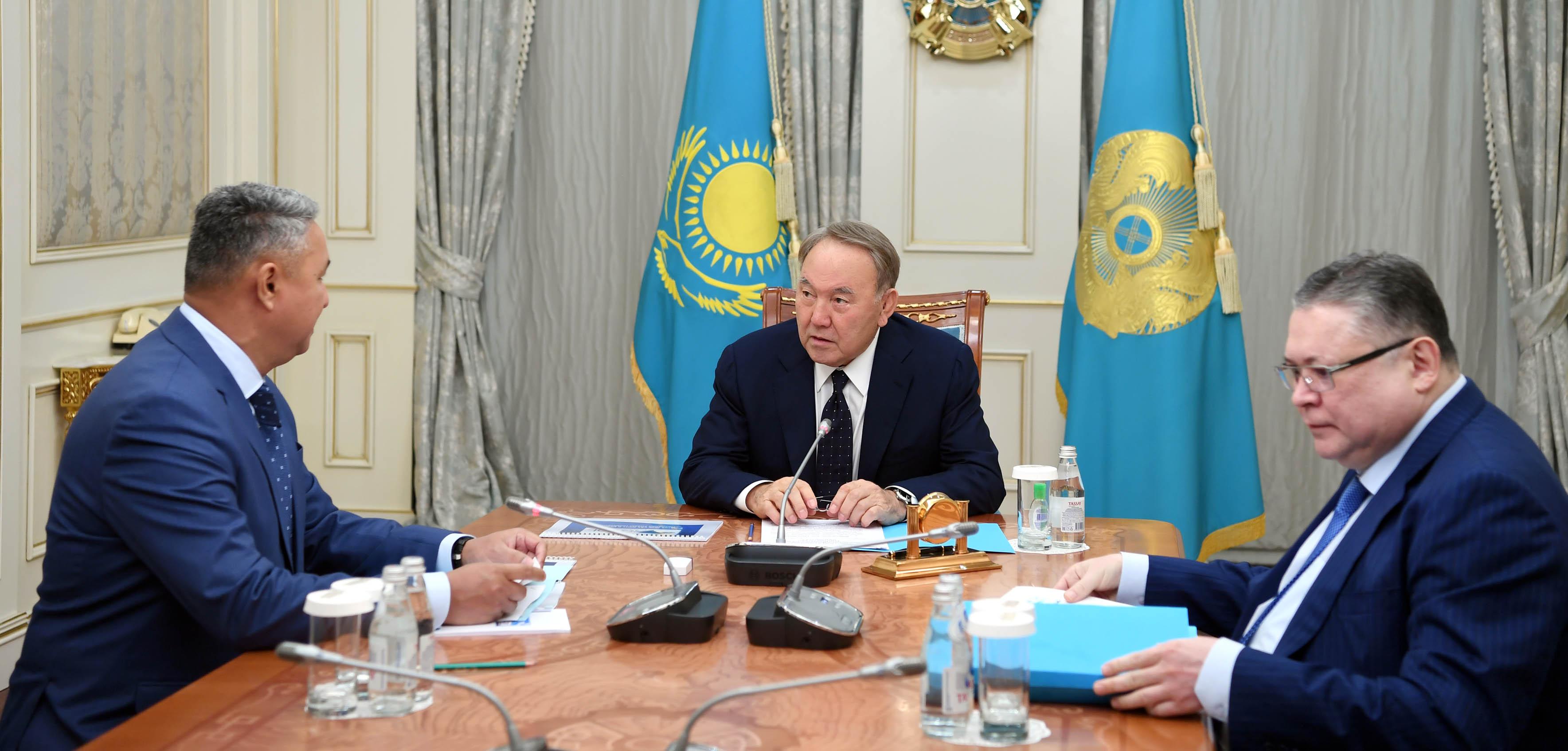 Нурсултан Назарбаев встретился с Азатом Перуашевым