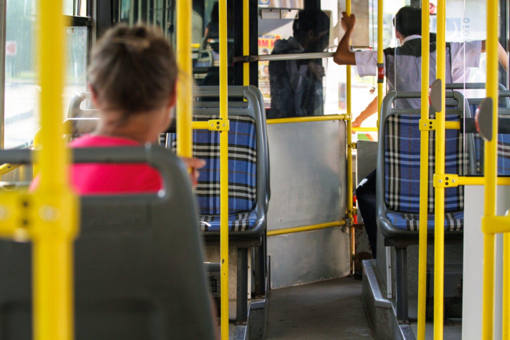 В Астане проводят опрос об общественном транспорте столицы