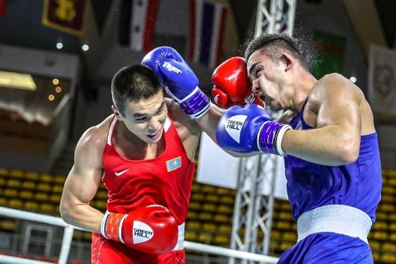 Чемпион Азии по боксу Бек Нурмаганбет перешел в профи