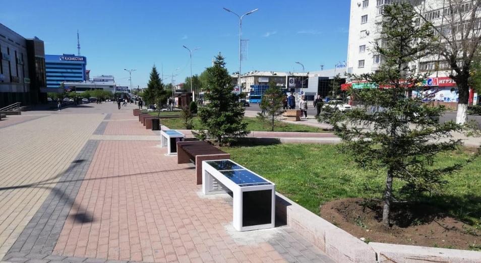 «Умные» скамейки вернулись в Караганду