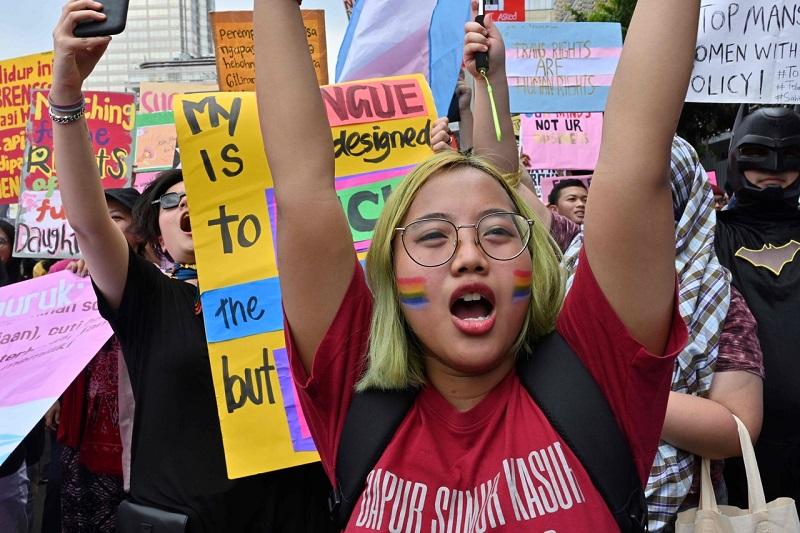 Тысячи человек вышли на демонстрации 8 марта в странах Азии
