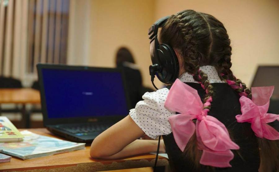 Около 50 тысяч школьников обеспечат компьютерами в Туркестанской области
