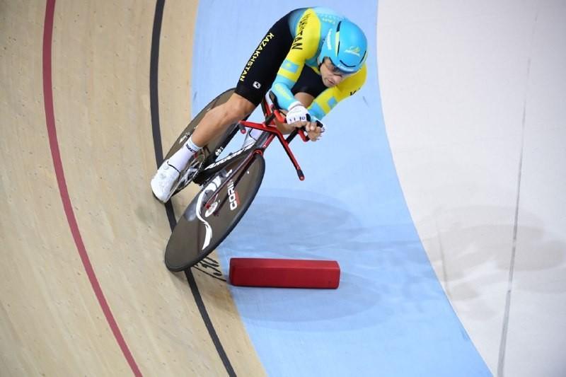Казахстанец завоевал второе золото на чемпионате Казахстана по велотреку