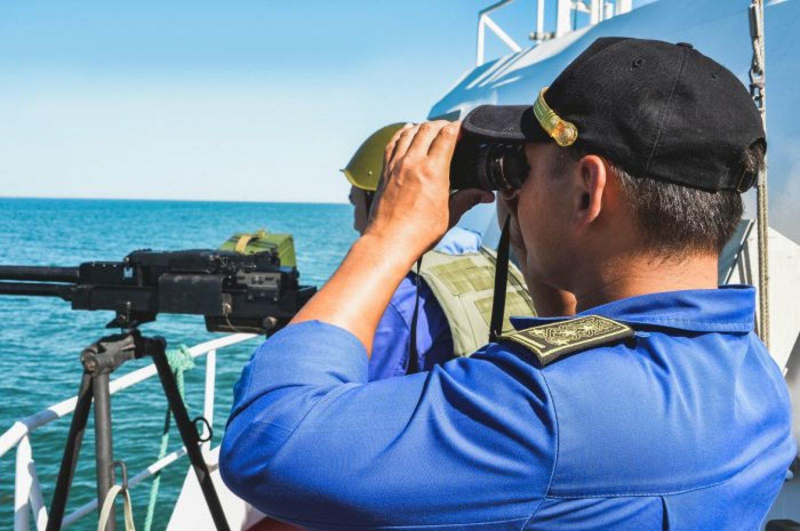 Казахстанские морские пограничники получили два новых катера на воздушной подушке