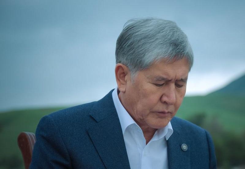 Алмазбеку Атамбаеву продлили арест до 26 октября