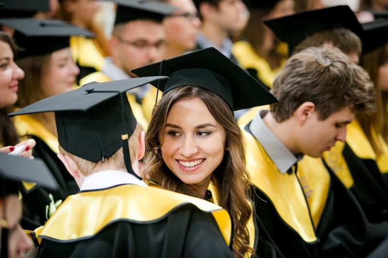В Британии ожидают выплаты по студенческим долгам в £11 млрд