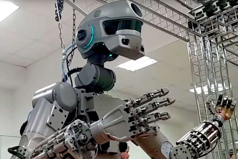 """Корабль """"Союз"""" с роботом FEDOR на борту приземлился в Казахстане"""