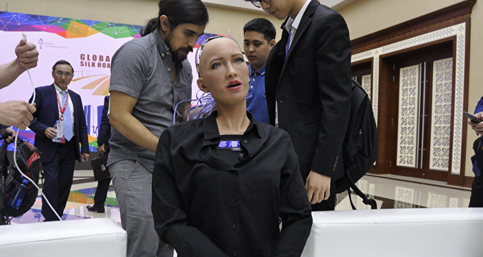 Робот Thespian первым поприветствует Назарбаева и Путина на форуме в Петропавловске