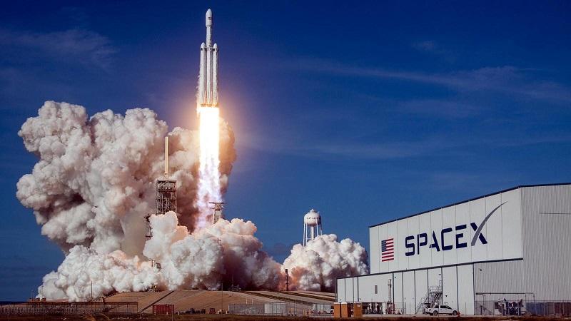 SpaceX планирует вывести на орбиту третью за месяц группу интернет-спутников Starlink