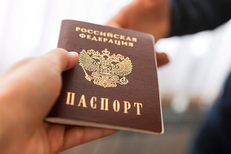 В аэропорту Алматы задержали кыргызстанца с паспортом россиянина