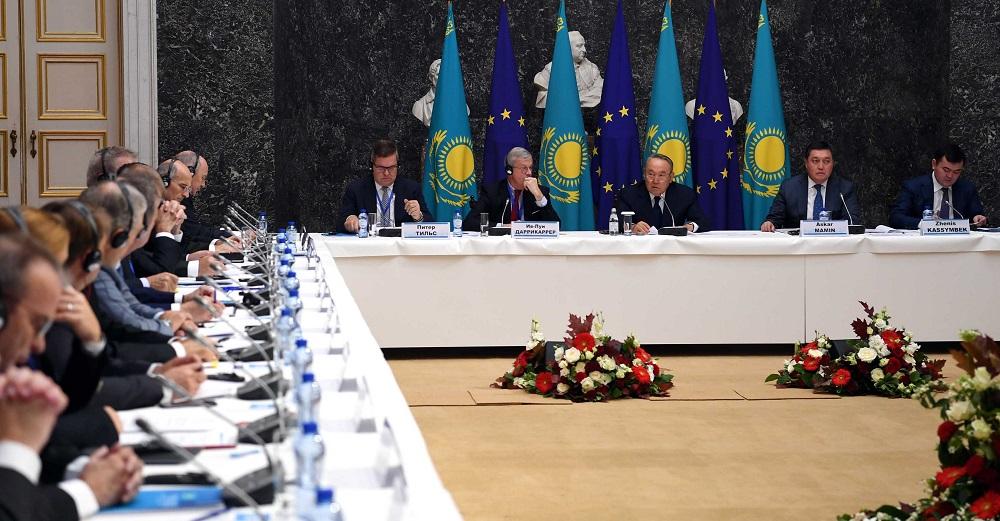 Президент РК встретился в Брюсселе с представителями европейских деловых кругов