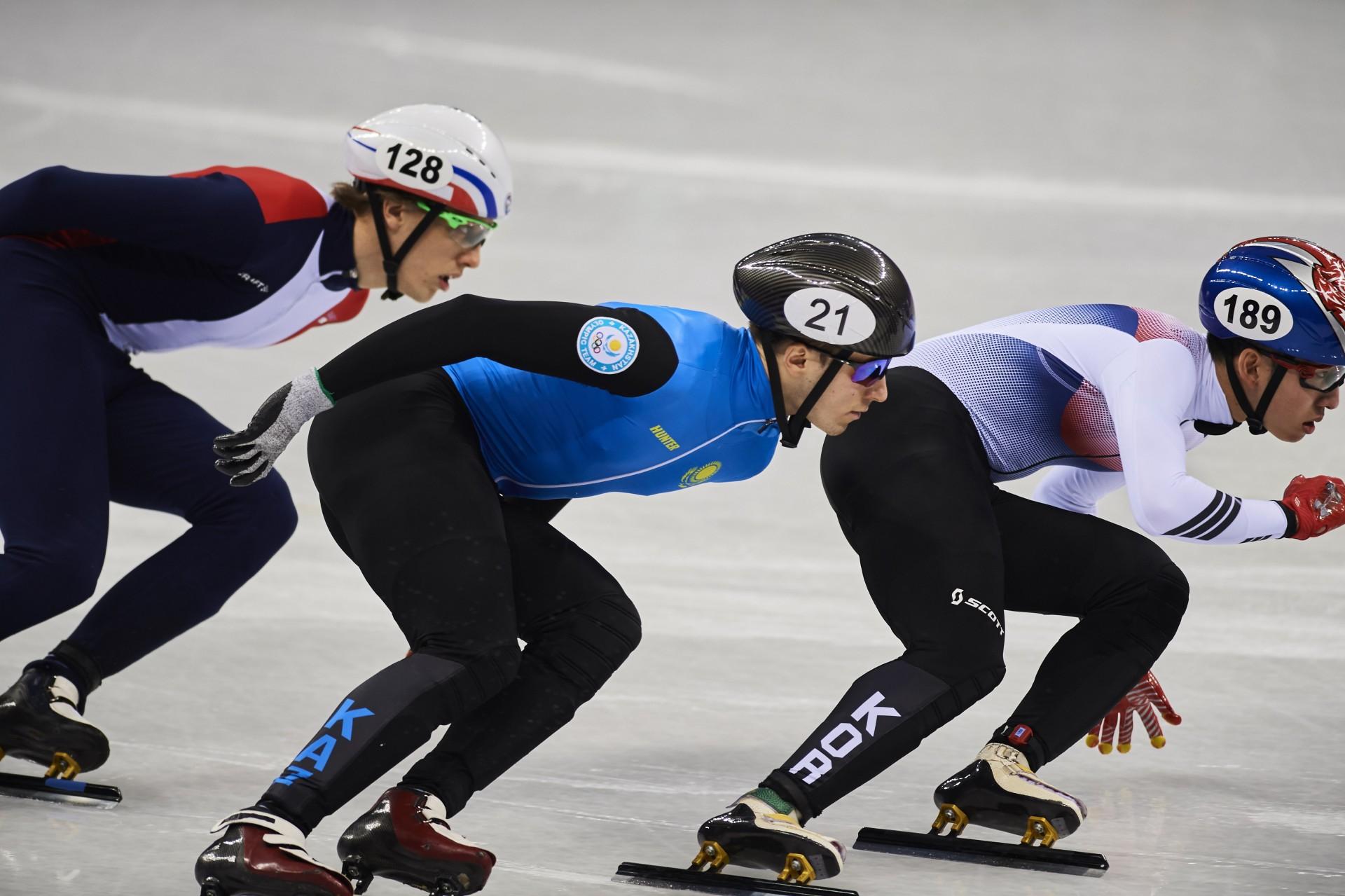 Команда Казахстана по шорт-треку примет участие в первом этапе Кубка мира