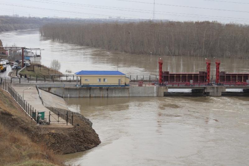 В Северном Казахстане переполнилось одно из водохранилищ