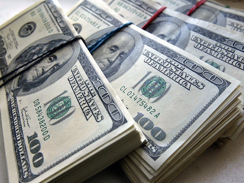 Доллар подскочил до максимума за два года на решении ФРС