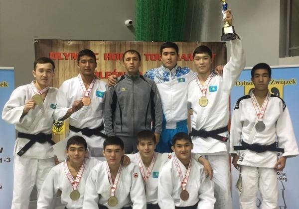 Дзюдодан жастар құрамасы халықаралық турнирде бірінші орын алды