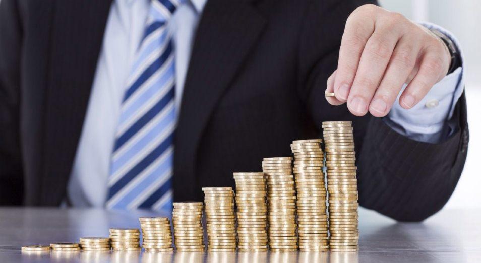 Реальные зарплаты растут третий месяц подряд
