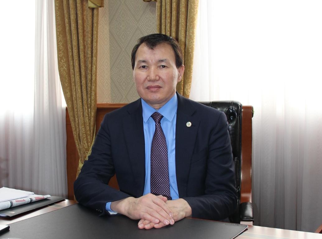 Алик Шпекбаев: «Зарплаты казахстанских госслужащих будут расти»