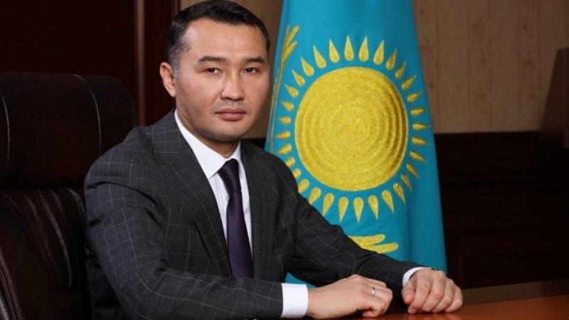 В карантинном Алматы временно закрывают все непродовольственные магазины